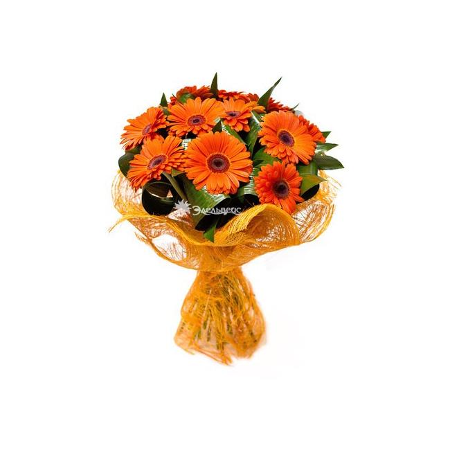 Оранжевые цветы в букетах названия